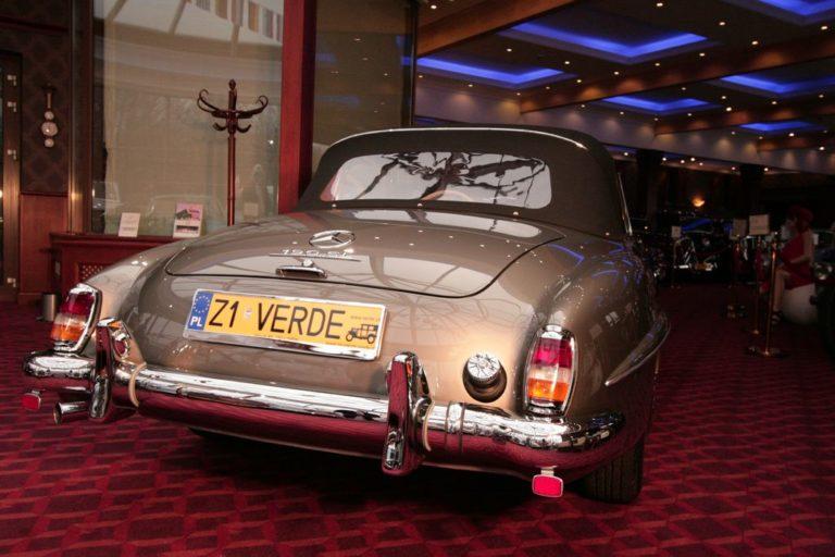 MERCEDES-BENZ 190SL 1957